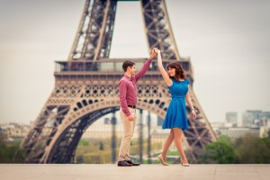 Engagement-photos-in-Paris-at-Eiffel-Tower-couple-from-Australia
