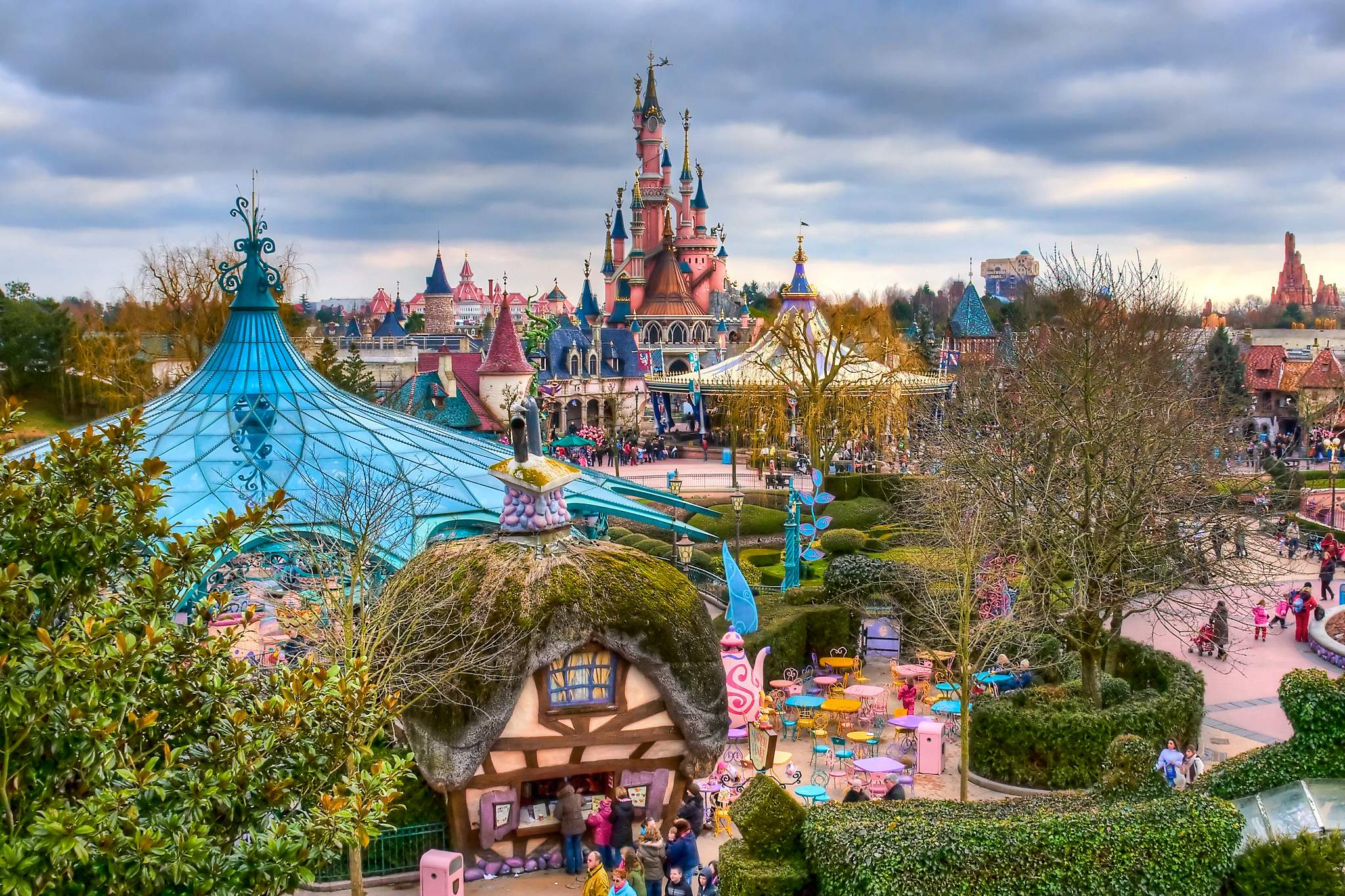 The world of fairy-tales and cartoon characters – famous