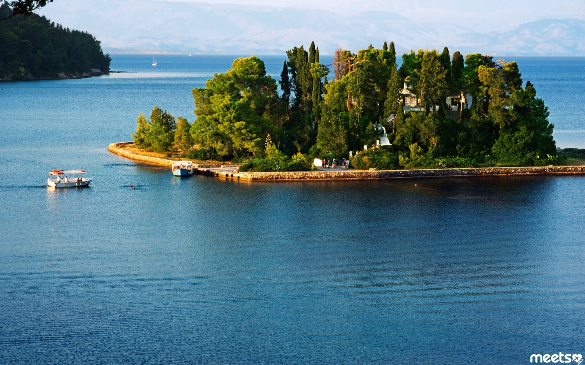 The Smallest Inhabited Islands In The World Meetscom - Smallest ocean in the world