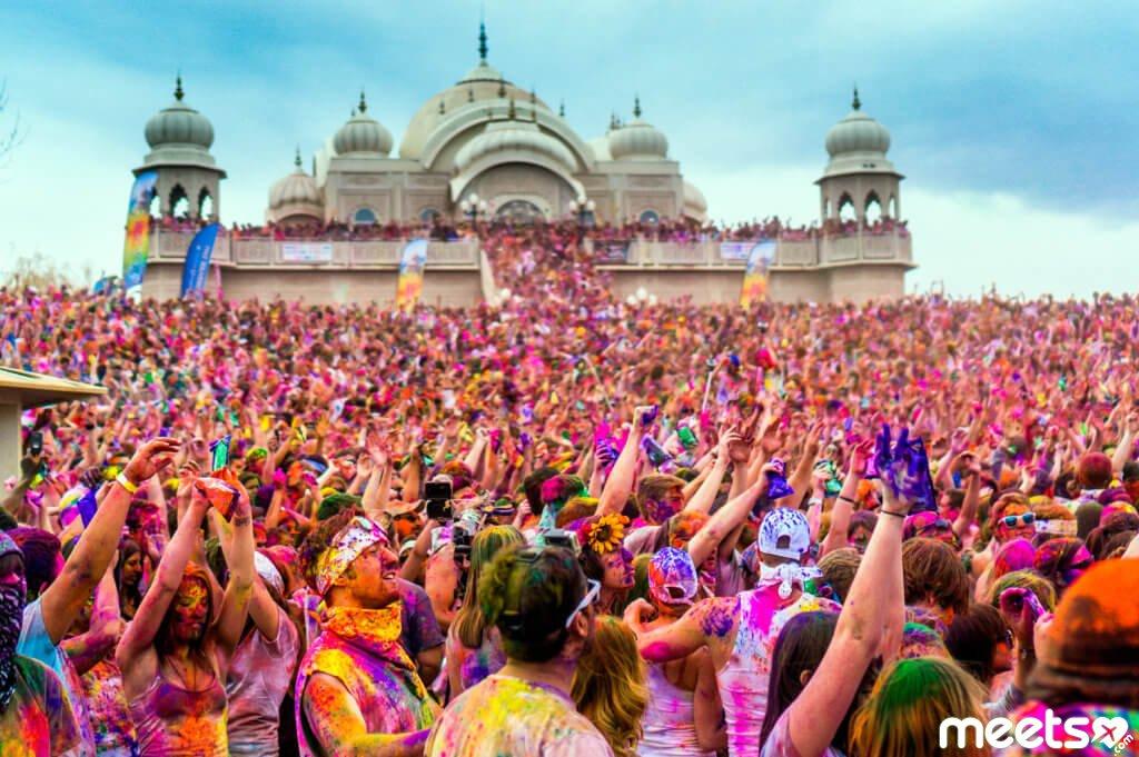 12 грандиозных фестивалей, на которых обязательно стоит побывать