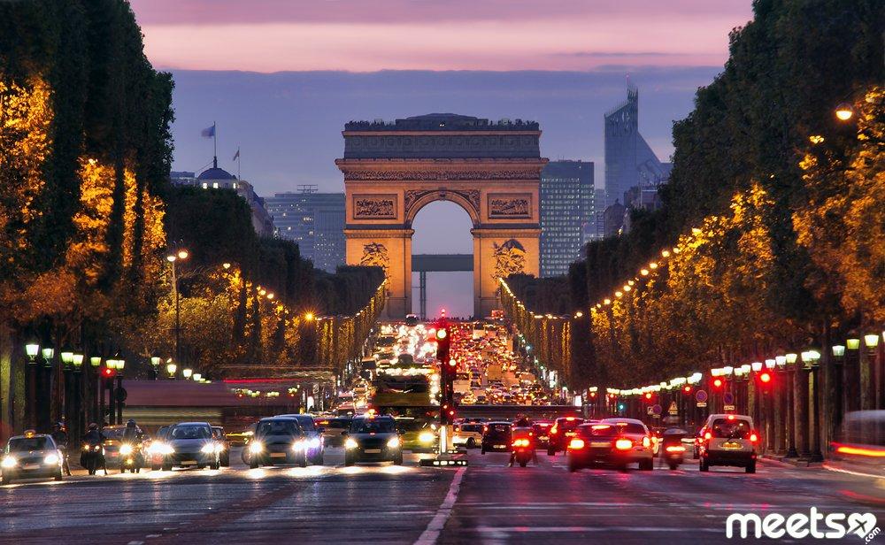 paris in evening