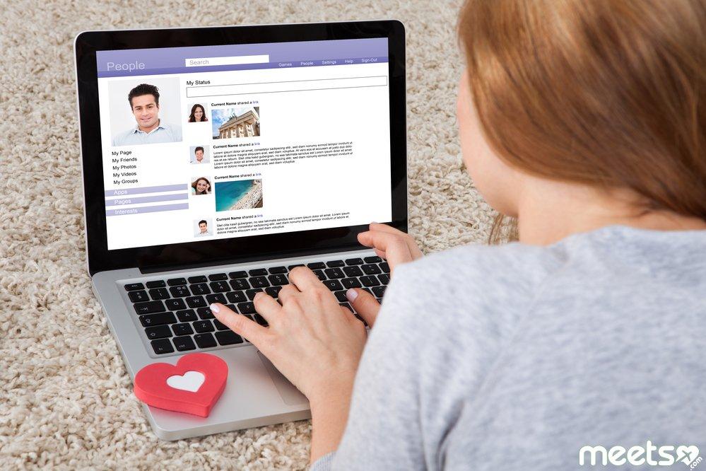 Работа девушке в интернете общение лариса михальцова модель
