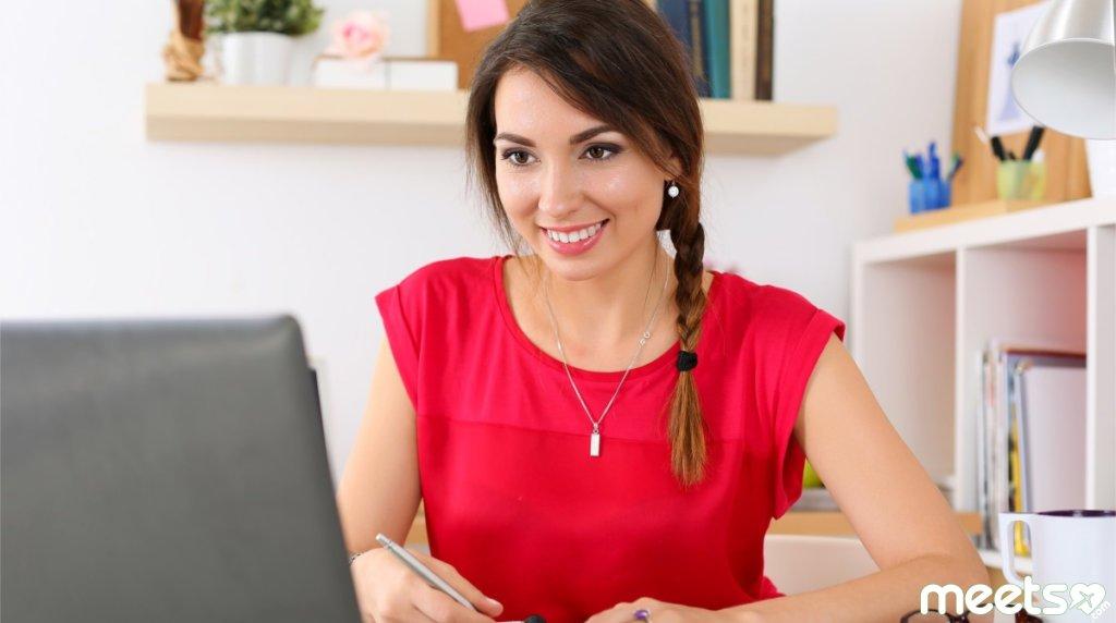 Онлайн-знакомства: настораживающие сигналы в общении с иностранцем