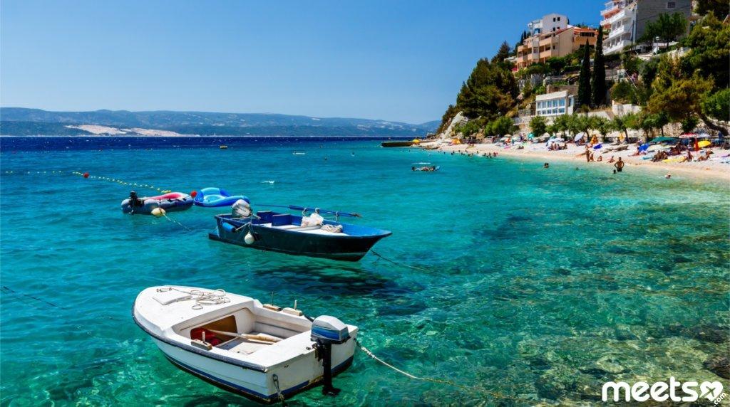 Куда поехать на море в сентябре?