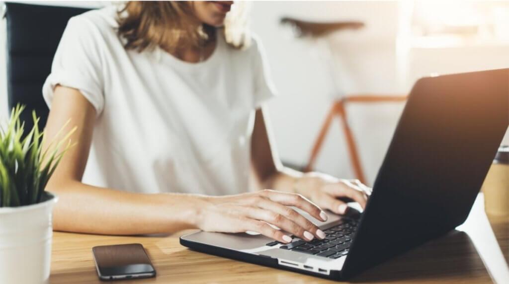 Чего следует избегать при знакомстве в Интернете
