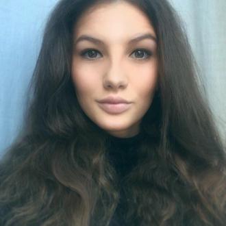 Alena, 24