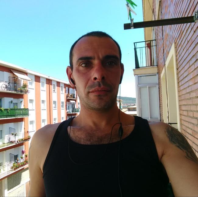 Radik, 37, Pamplona, Spain