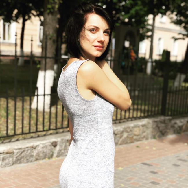 Julia, 32, Mogi das Cruzes, Brazil