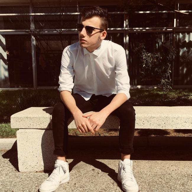 Alex, 19, Paris, France