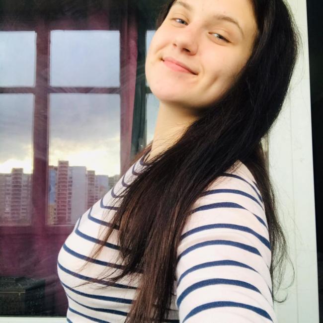Dasha Platonova, 18,