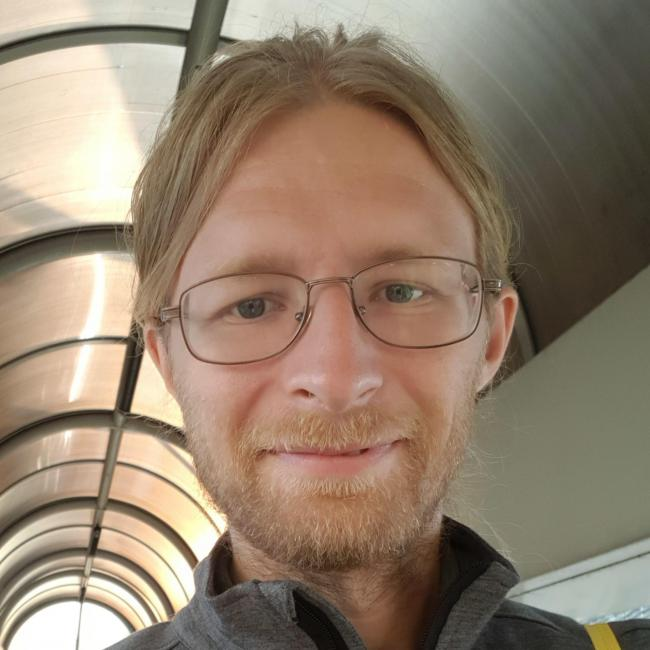 Yann, 39, Blajeni, Romania